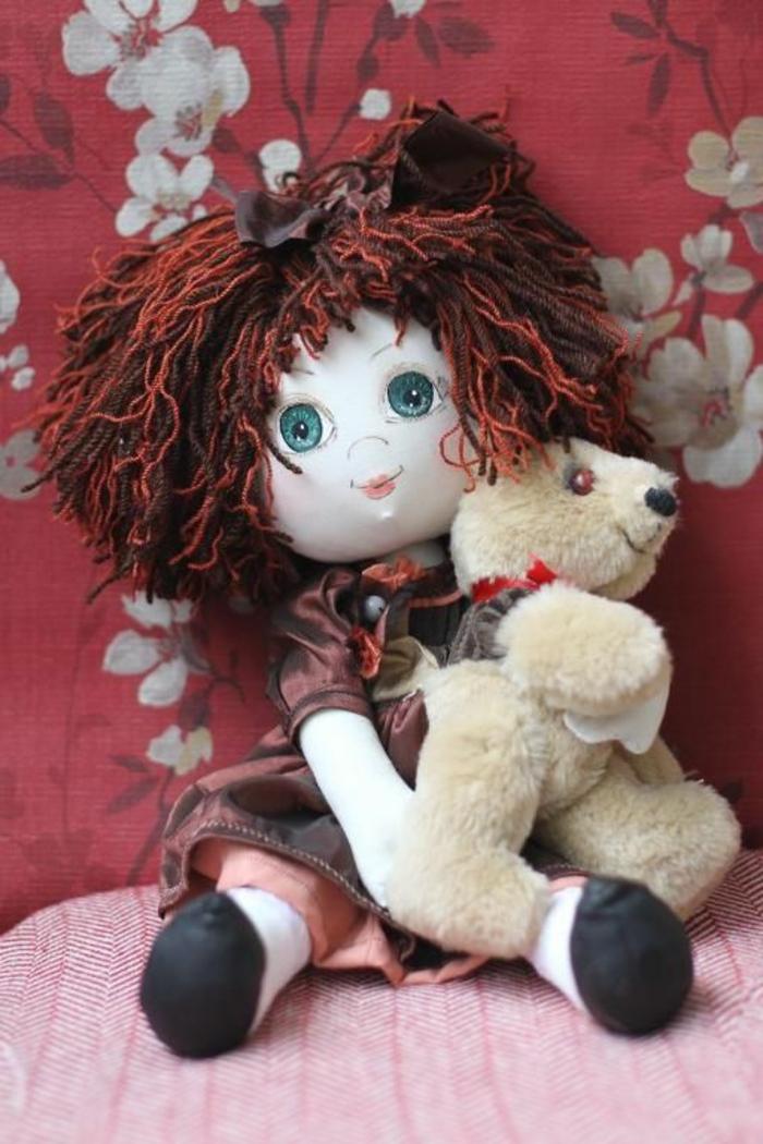 poupée-de-chiffon-avec-son-ourson