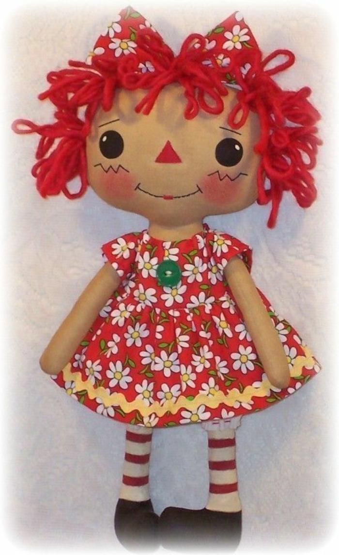 poupée-de-chiffon-poupée-chiffon-aux-cheveux-rouges