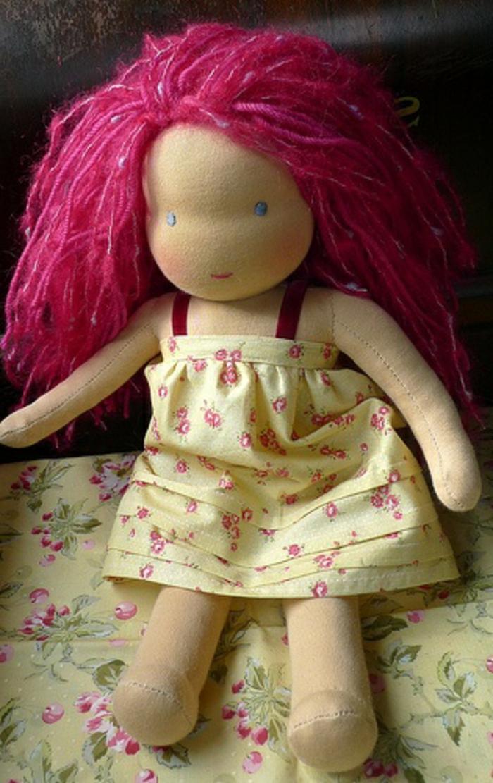 poupée-de-chiffon-poupée-chiffon-cheveux-roses