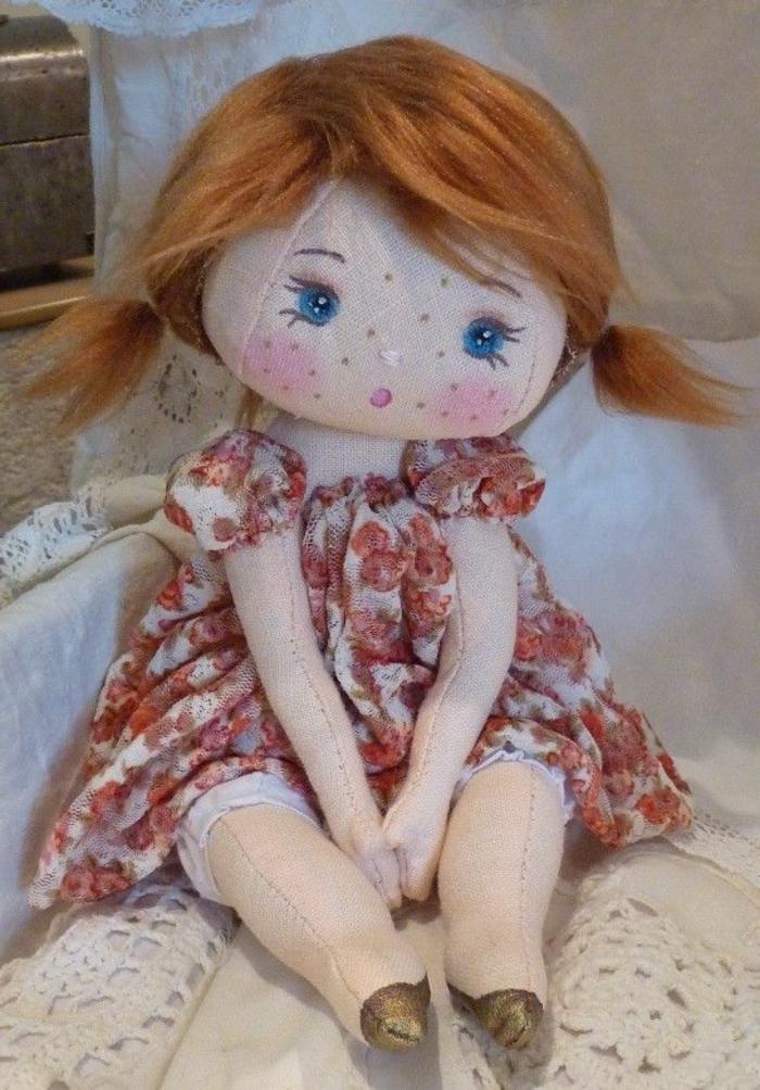 poupée-de-chiffon-très-jolie-en-robe