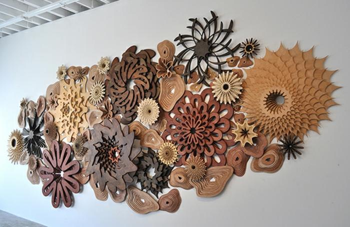 récif-de-corail-sculpture-sur-bois-par-Joshua-Abarbanel-fleurs-beauté