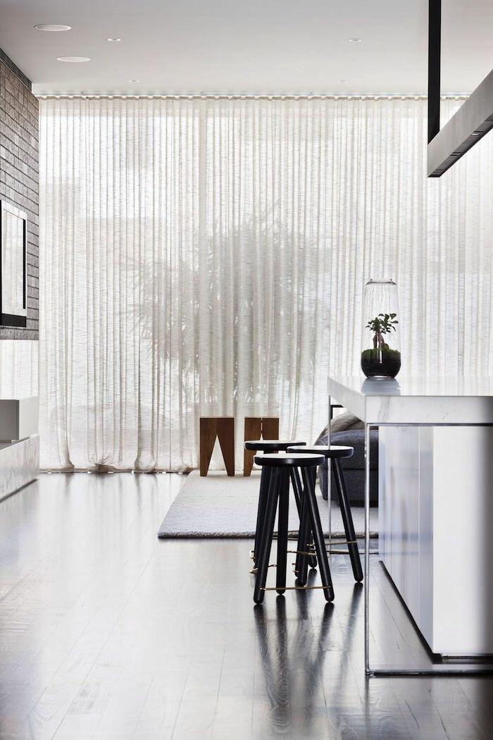 rideau-en-lin-dans-la-cuisine-moderne