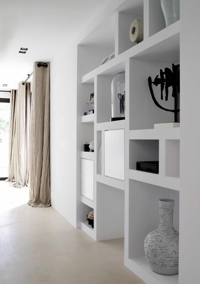 rideau-en-lin-naturel-jolie-étagère-blanche