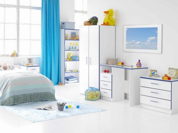 rideau-ocultant-bleu-chambre-d-enfant-rideaux-bleus-longs-dans-la-chambre-d'enfant