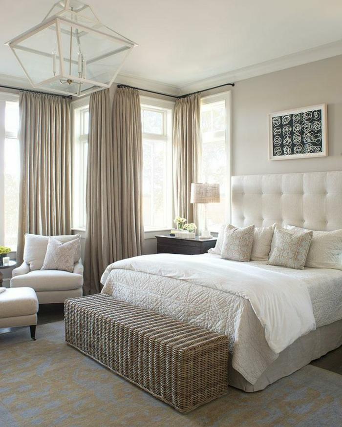 rideaux-occultants-pas-cher-rideau-occultant-ikea-rideaux-gris-linge-de-lit-beige-chambre-à-coucher-de-couleur-taupe
