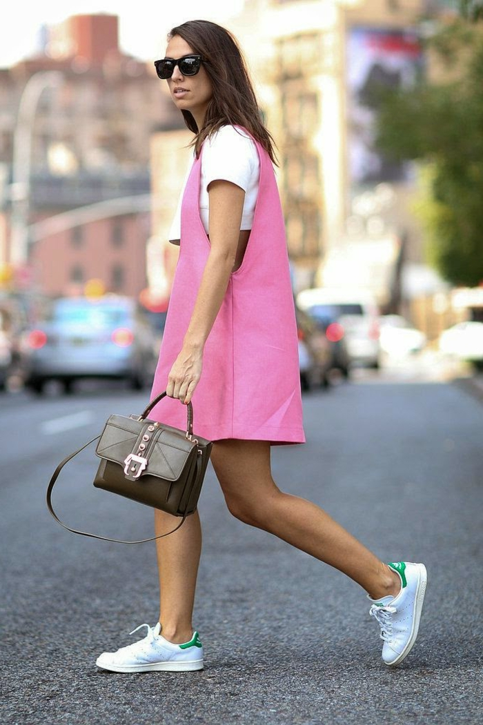 robe-chasuble-outfit-super-original-robe-rose-et-mini-top-blanc