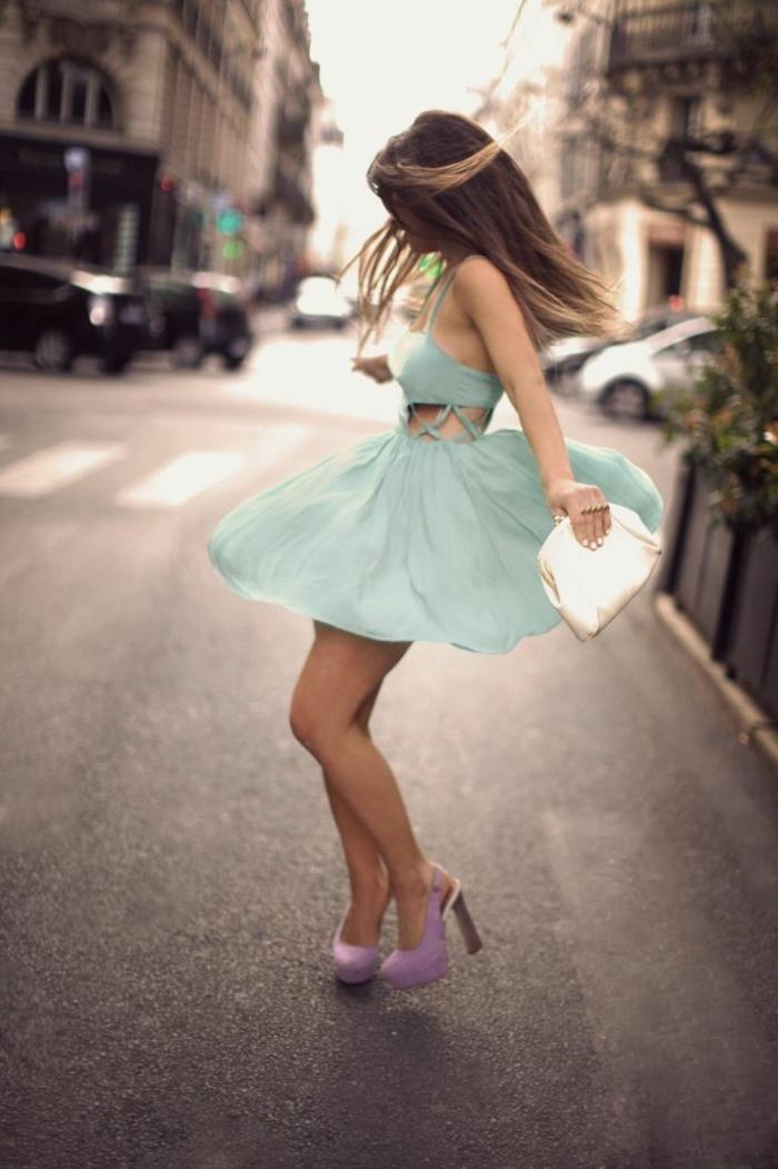 robe-courte-de-couleur-bleu-marin-robe-bleue-marine-femme-moderne