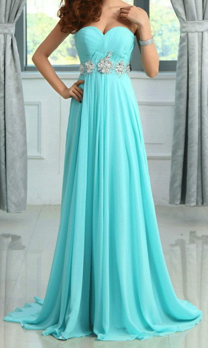 7c5d19789de La robe bleue marine et ses nuances en 43 photos!