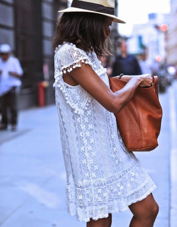 robe-tunique-blanche-dentelle