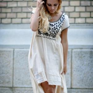 La robe tunique - une belle tendance d'été