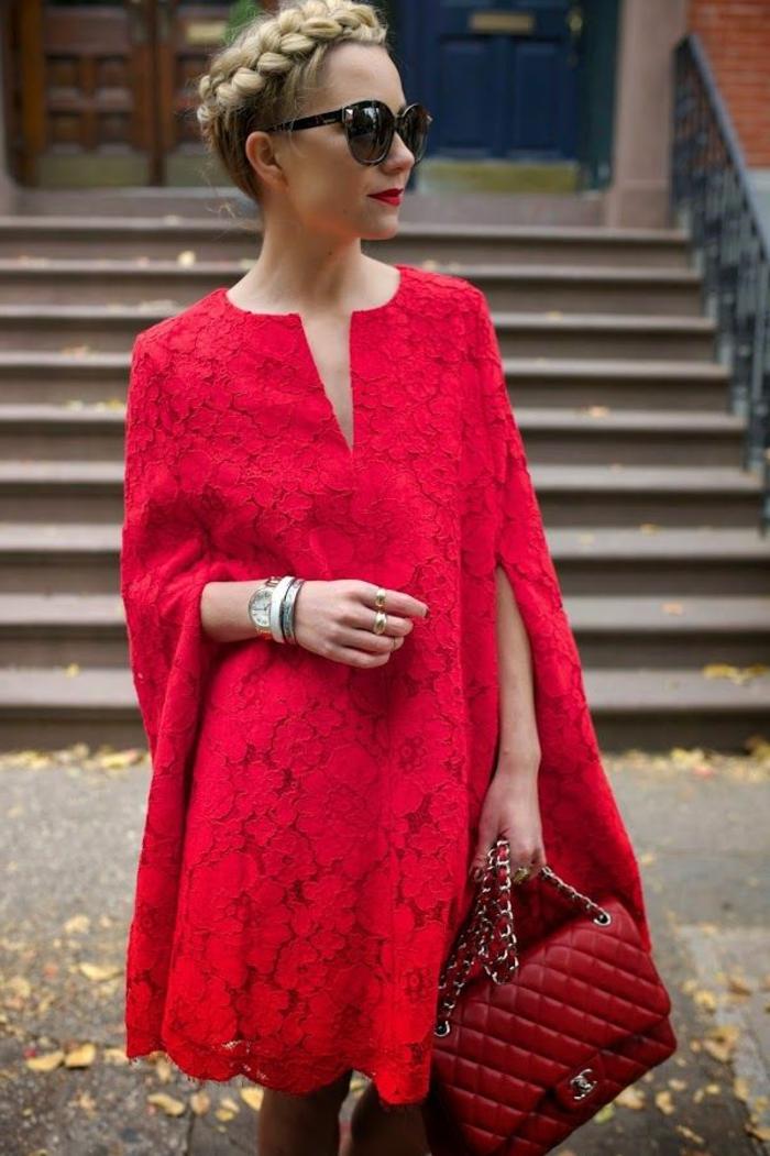 robe-tunique-dentelle-rouge