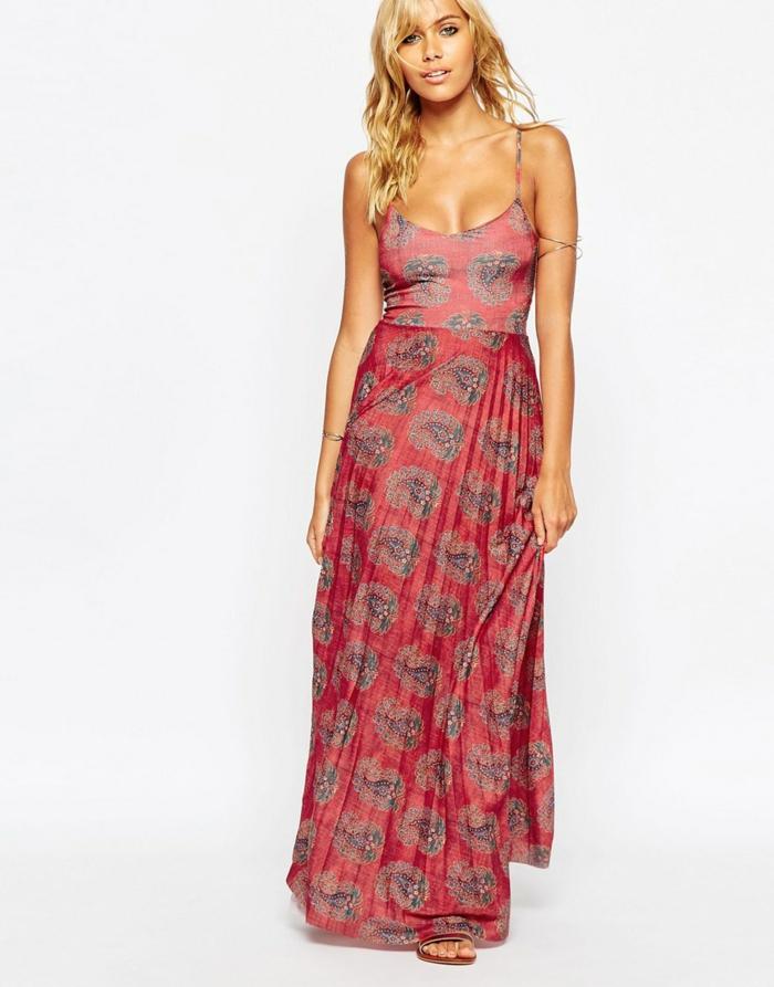 robes-d-été-longues-robe-longue-été-grande-taille-femme-blonde