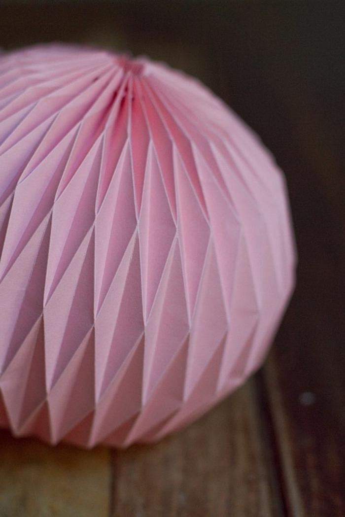 rose-boule-chinoise-decoration-en-papier-lampions-lanterne-papier