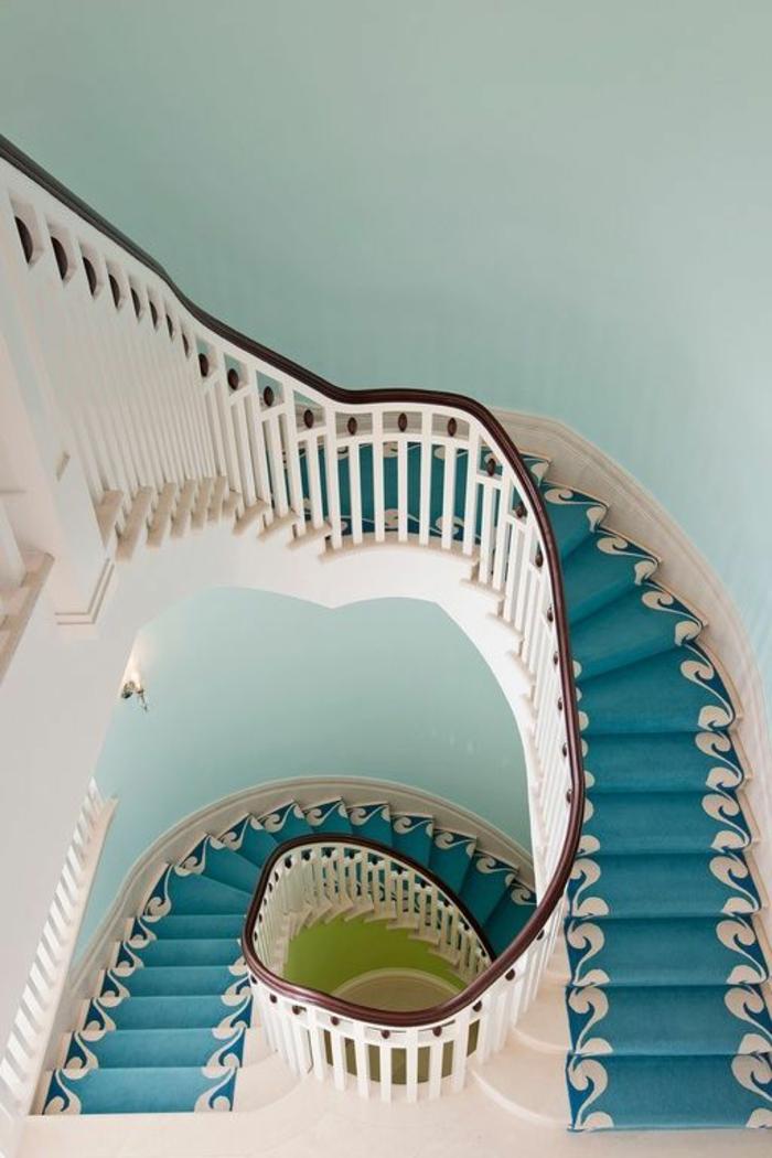 saint-maclou-moquette-pour-escalier-tapis-pour-escalier-bleu-ciel-bleu-turquoise