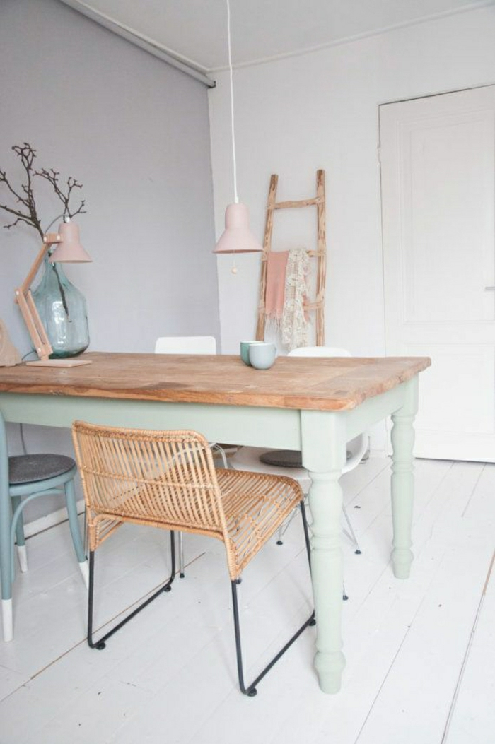 Adopter la couleur pastel pour la maison - Salle de bain sol gris mur blanc ...