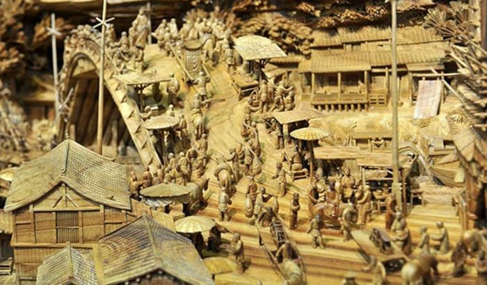 sculpture-sur-bois-de-Zheng-Chunhui-tout-comme-peinture-ville-aziatique