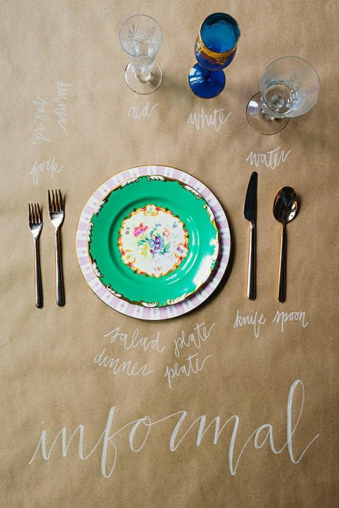 set-de-table-papier-personnalisé-set-de-table-jetable-nappe-beige