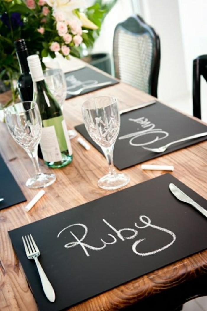 set-de-table-papier-personnalisé-set-de-table-jetable-nappe-noir-table-en-bois