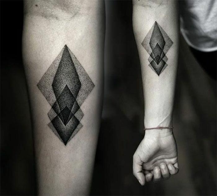 Tatouages g om triques belle id e ou tendance qui va s 39 vaporer - Signification emplacement tatouage ...