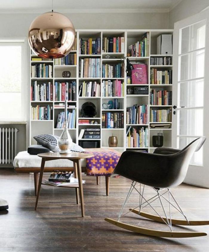 suspension-cuivre-chaise-balançoire-étagère-minimaliste