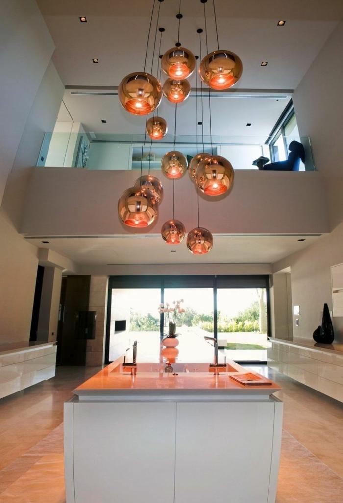 suspension-cuivre-intérieur-à-haut-plafond