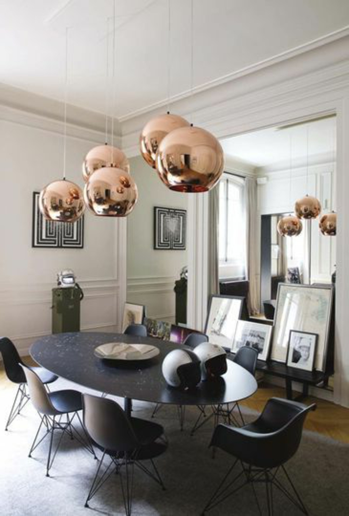 suspension-cuivre-table-noire-ovale
