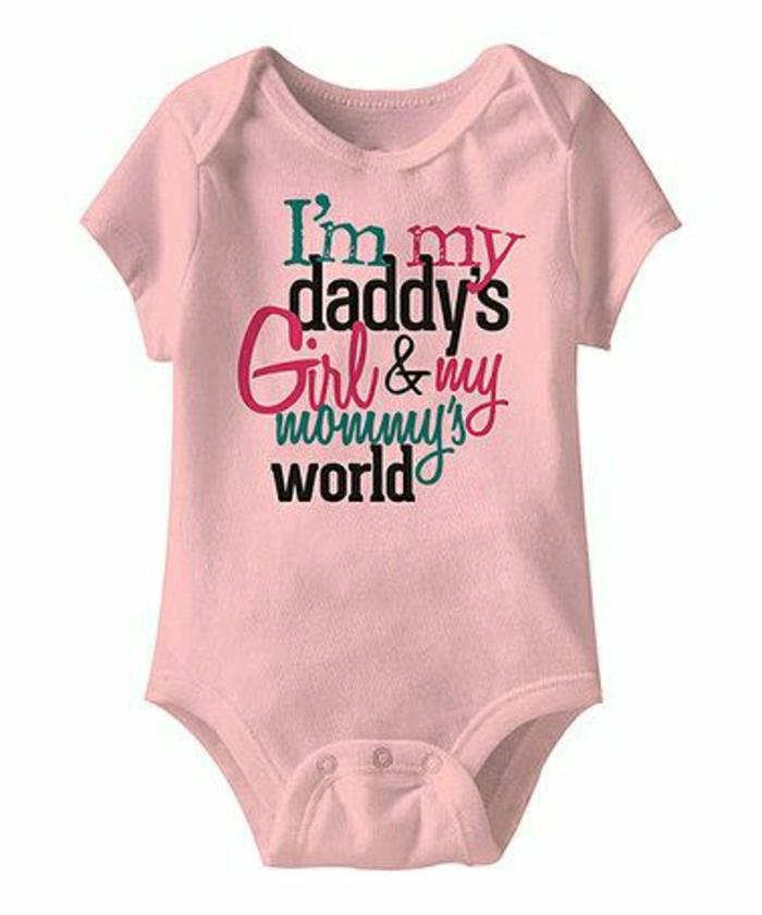 t-shirt-bébé-rose-original-modele-pour-t-shirt-bébé