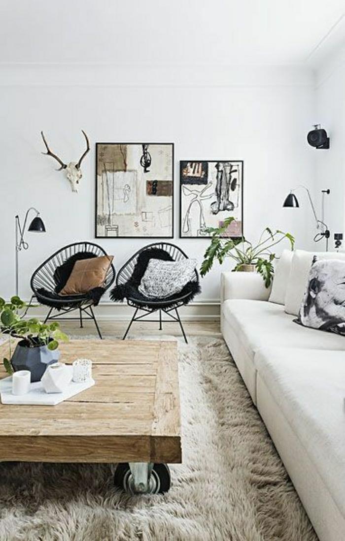 table-basse-en-bois-tapis-beige-salon-ambiance-coconning-murs-blancs