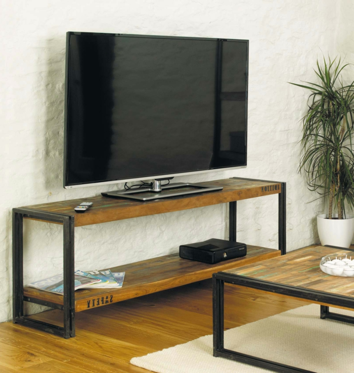 Le meuble tv style industriel en 50 images for Table basse fer et bois