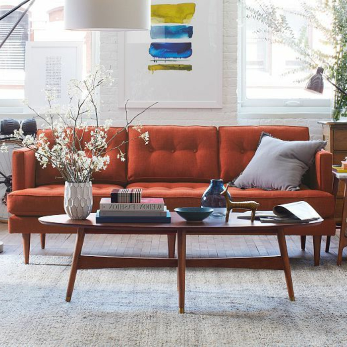 table-basse-scandinave-table-ovale-et-sofa-orange