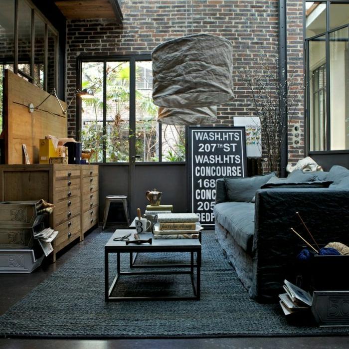 table-carrée-dans-un-loft-impressionnant-resized