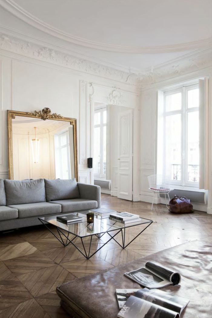 table-carrée-grand-miroir-baroque-sofa-en-cuir