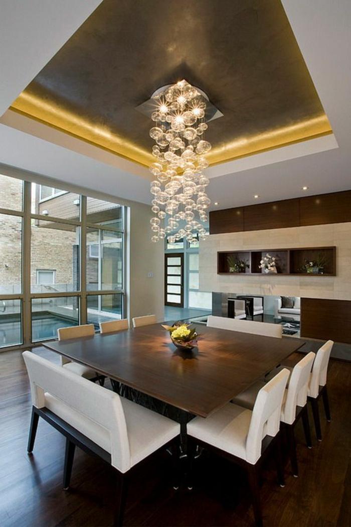 table-carrée-salle-de-déjeuner-complète-suspension-magnifique