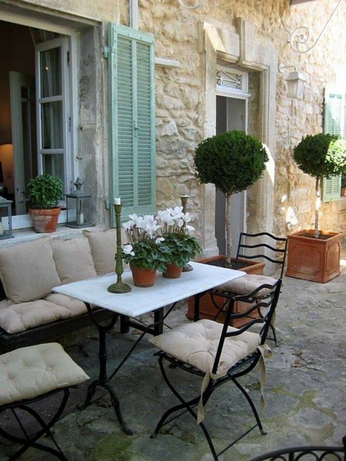 Comment choisir une table et chaises de jardin - Table et chaises de jardin en fer ...