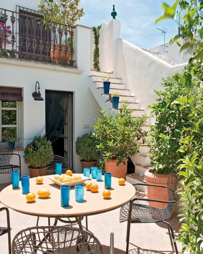table-et-chaises-de-jardin-ensemble-table-et-chaise-meubles-de-jardin-chaises-en-fer