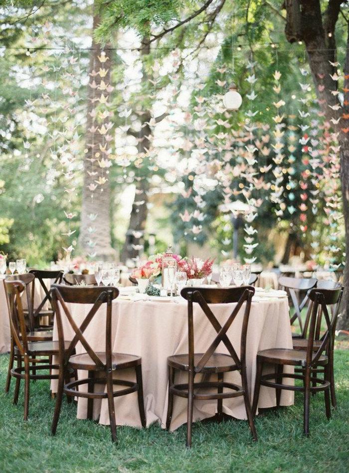 Comment choisir une table et chaises de jardin for Decaper une table de jardin en bois