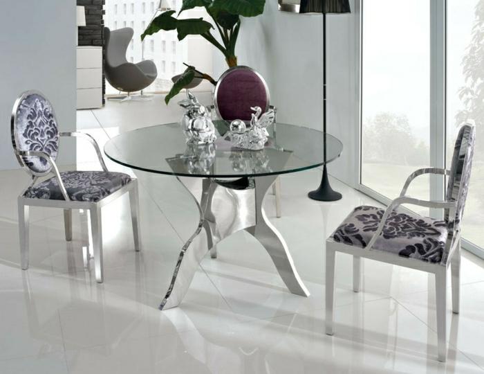 table-ronde-en-verre-table-de-cuisine-en-verre-dans-la-salle-de-séjour