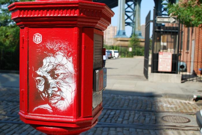 tableau-street-art-de-c214-france-petit