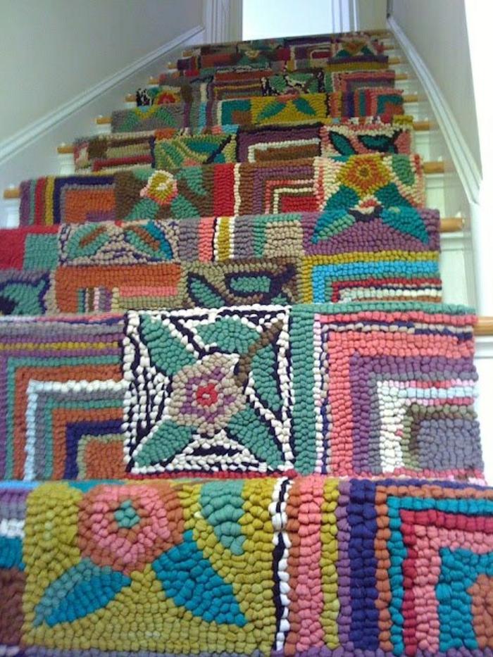 tapis-pour-escalier-coloré-design-moderne-tapis-d-escalier-en-bois-coloré