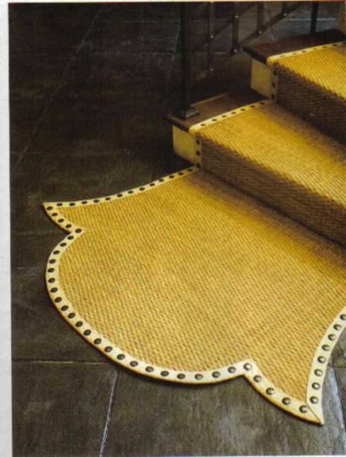 tapis-pour-escalier-de-couleur-jaune-tapis-escalier-design-moderne-maison