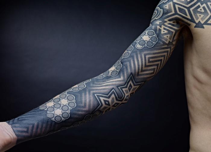 Tatouages Geometriques Belle Idee Ou Tendance Qui Va S Evaporer