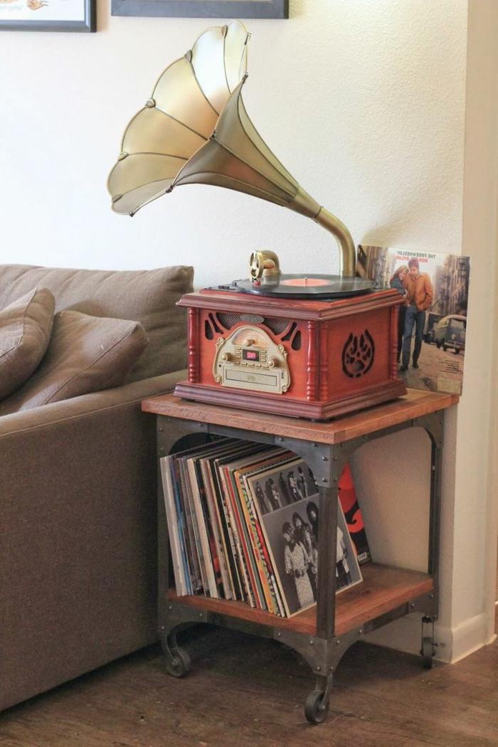 tourne-disque-vintage-ancien-tourne-disques