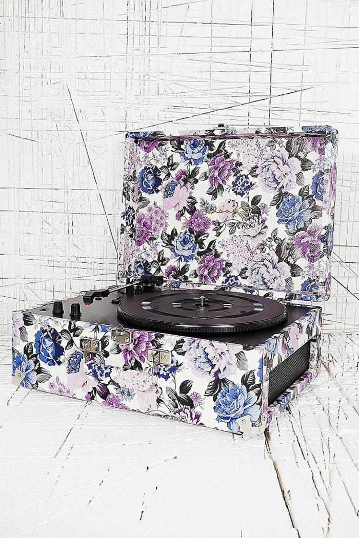 tourne-disque-vintage-design-floral