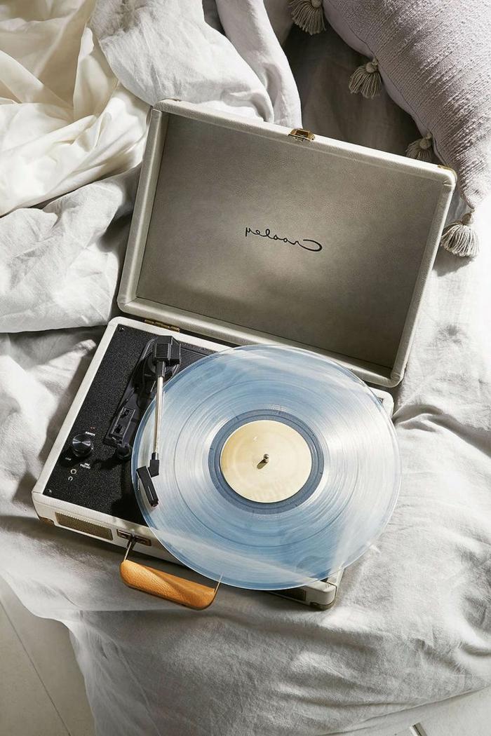 tourne-disque-vintage-disque-transparent