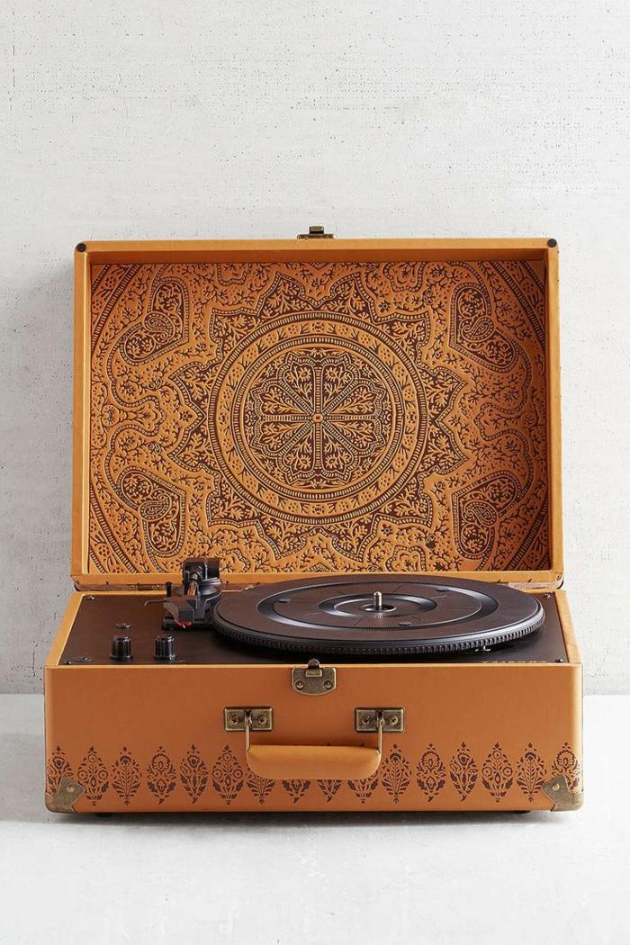 tourne-disque-vintage-marron-tourne-disque-retro