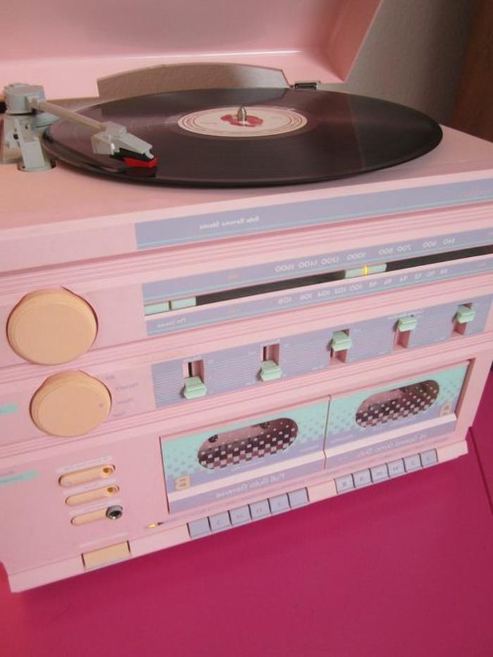 tourne-disque-vintage-modèle-rose