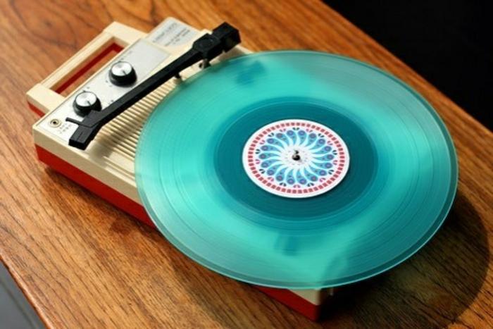 ★ Le tourne disque vintage et la magie du son ancien