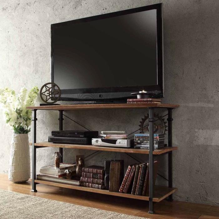 un-meuble-style-industriel-pour-le-télé-vase-fleurs