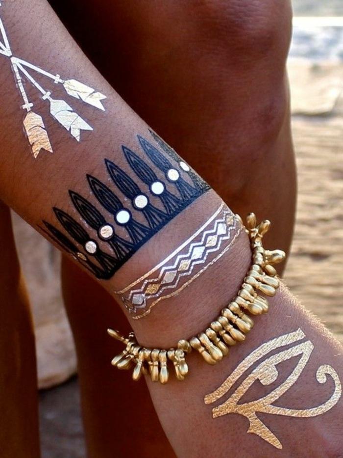 un-tatoueur-celebre-motif-geometrique-signification-tattoo-dorée