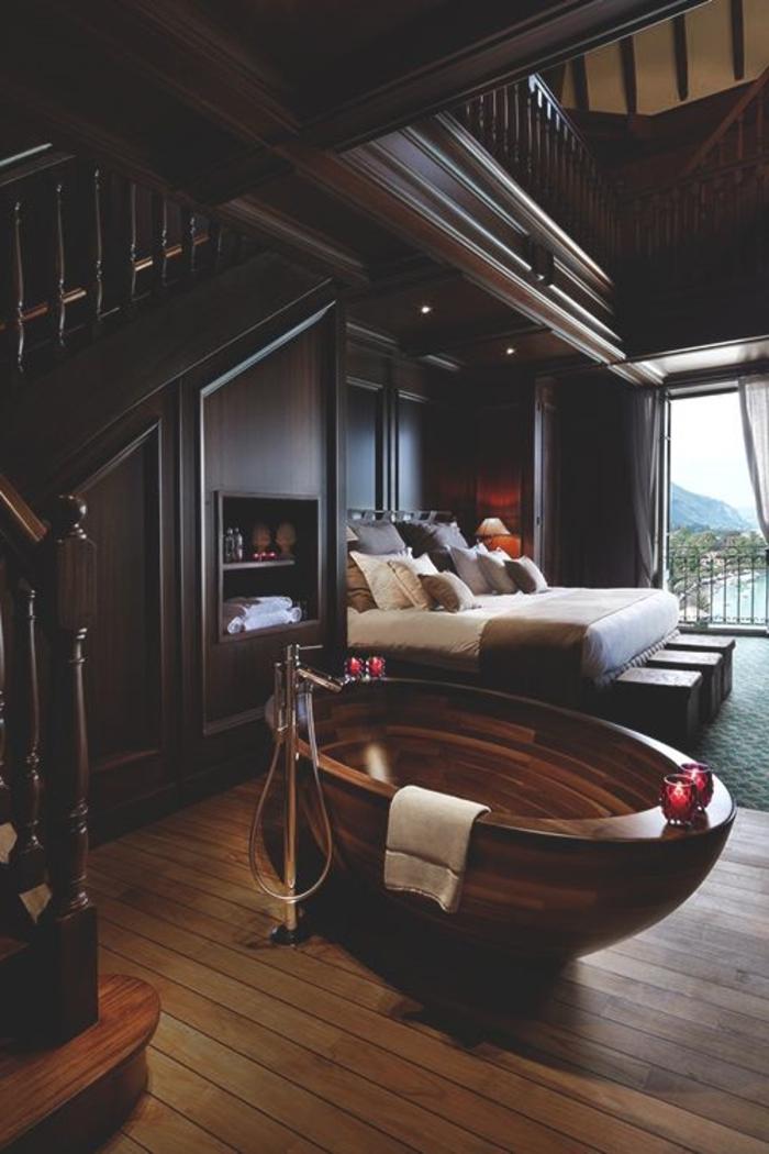 une-jolie-chalet-bois-habitable-maison-dans-la-montagne-meubles-en-bois-foncé-sol-en-parquet-massif